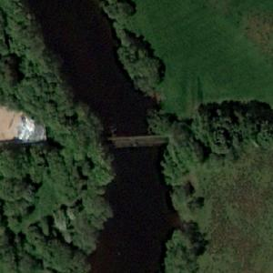 Disused Iron Railway Bridge (Google Maps)