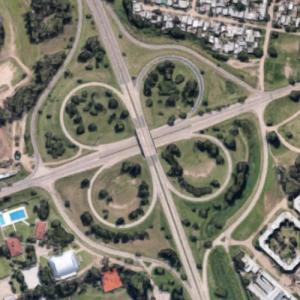 Cloverleaf interchange (Google Maps)