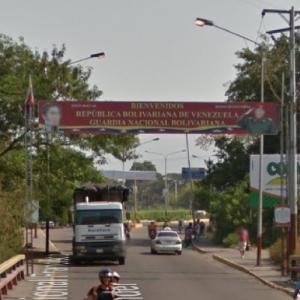 Welcome to Venezuela sign (border Colombia) (StreetView)