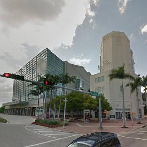 'Adrienne Arsht Center for the Performing Arts' by Cesar Pelli (StreetView)