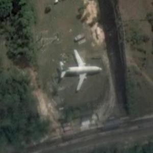 Abandoned airplane (Google Maps)