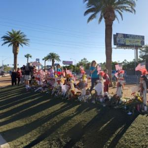 2017 Las Vegas Strip Shooting Memorial (StreetView)