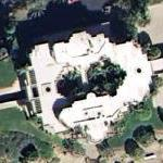 Arnold Schwarzenegger's old house - 25,000 Sq Ft (Google Maps)