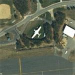 Airplane on static display (Google Maps)