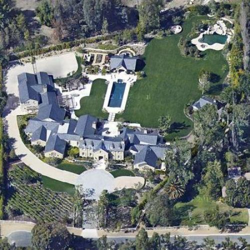 kim kardashian kanye west 39 s house in hidden hills ca. Black Bedroom Furniture Sets. Home Design Ideas