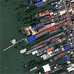 Colorful Thai bayside buildings (Google Maps)