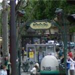 Original Paris Métro Entrance by Hector Guimard