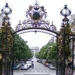 Look from Parc Monceau through the gates to the Arc de Triomphe