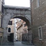 Arch of Gallieno (StreetView)