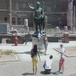 A photograph with Roman Emperor Augustus (StreetView)
