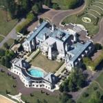 Guitar-shaped mansion (Google Maps)