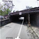 Google car folds down camera for low overpass (StreetView)