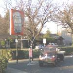 A&W Drive in - Inspiration for movie 'American Graffiti' (StreetView)