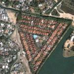 Triangular housing pattern (Google Maps)