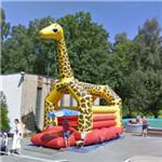 Bouncy house giraffe (StreetView)