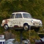 Car on a Pole (StreetView)