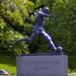 Roald 'Kniksen' Jensen Statue