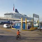 Cruise ship (StreetView)