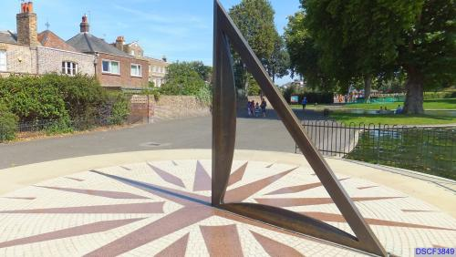 Greenwich Park compass rose and sundial