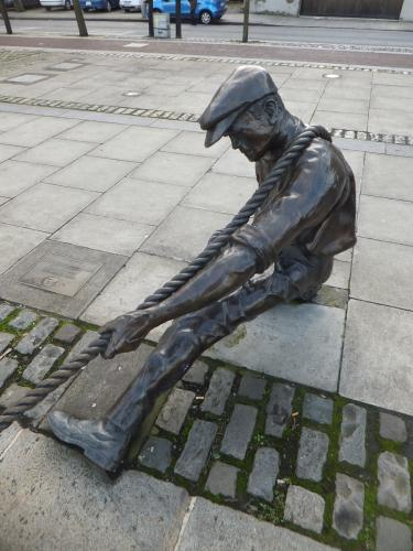 Sculpture: 'The Linesman'