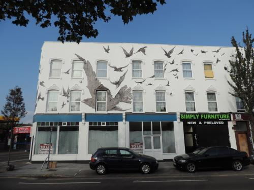 "Alfred Hitchcock's ""The Birds"" mural"