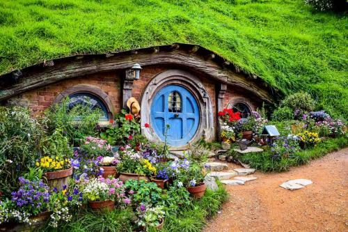 Hobbiton Movies Set is truly a colourful fairytale