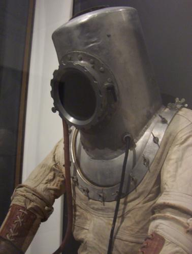 Early Pressure Suit, Air and Space Museum, April 2005