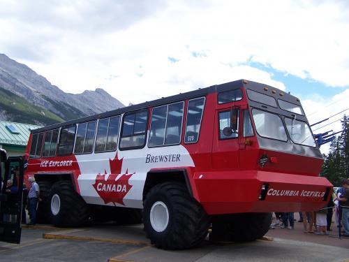 Icefields tourist glacier 'Ice Explorer'