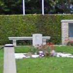 Cahagnes Isolotated British Grave (StreetView)