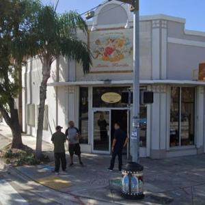El Credito Cigar Factory (StreetView)