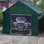 Wannabe Rolls Royce Owner (StreetView)