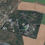 Abandoned leisure park near Paris (Google Maps)