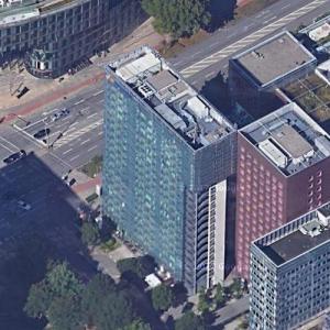 'Suitehotel hamburg' by Coop Himmelb(l)au (Google Maps)
