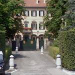 Silvio Berlusconi's House (StreetView)