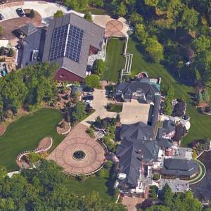 Dick DeVos's home (Google Maps)