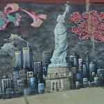 Graffiti mural of New York City (StreetView)