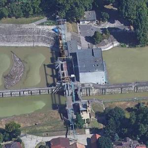 Dam & locks off of the Danube River (Google Maps)