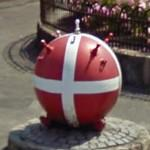 Naval mine in Danish flag decoration (StreetView)