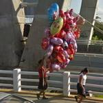 Balloon vendor (StreetView)
