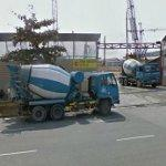 Concrete trucks waiting (StreetView)