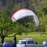 Paraglider landed (StreetView)
