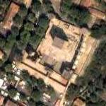 La Tour-d'Aigues castle (Google Maps)