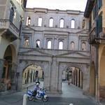 Porta Borsari (StreetView)
