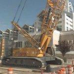Giant Liebherr crawler crane (StreetView)