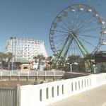 Roller Coaster and Ferris Wheel (StreetView)