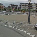 Liege Grenade Attack: kills two, leaves 47 (?) injured, seven of them gravely (13 December 2011). (StreetView)