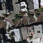 Lombard Street - crookedest street in the US (Google Maps)