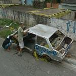 Abandoned car (?) (StreetView)