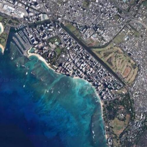 Waikiki Beach (Google Maps)