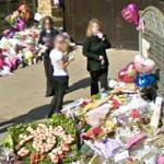 Mourners at Jade Goody's House